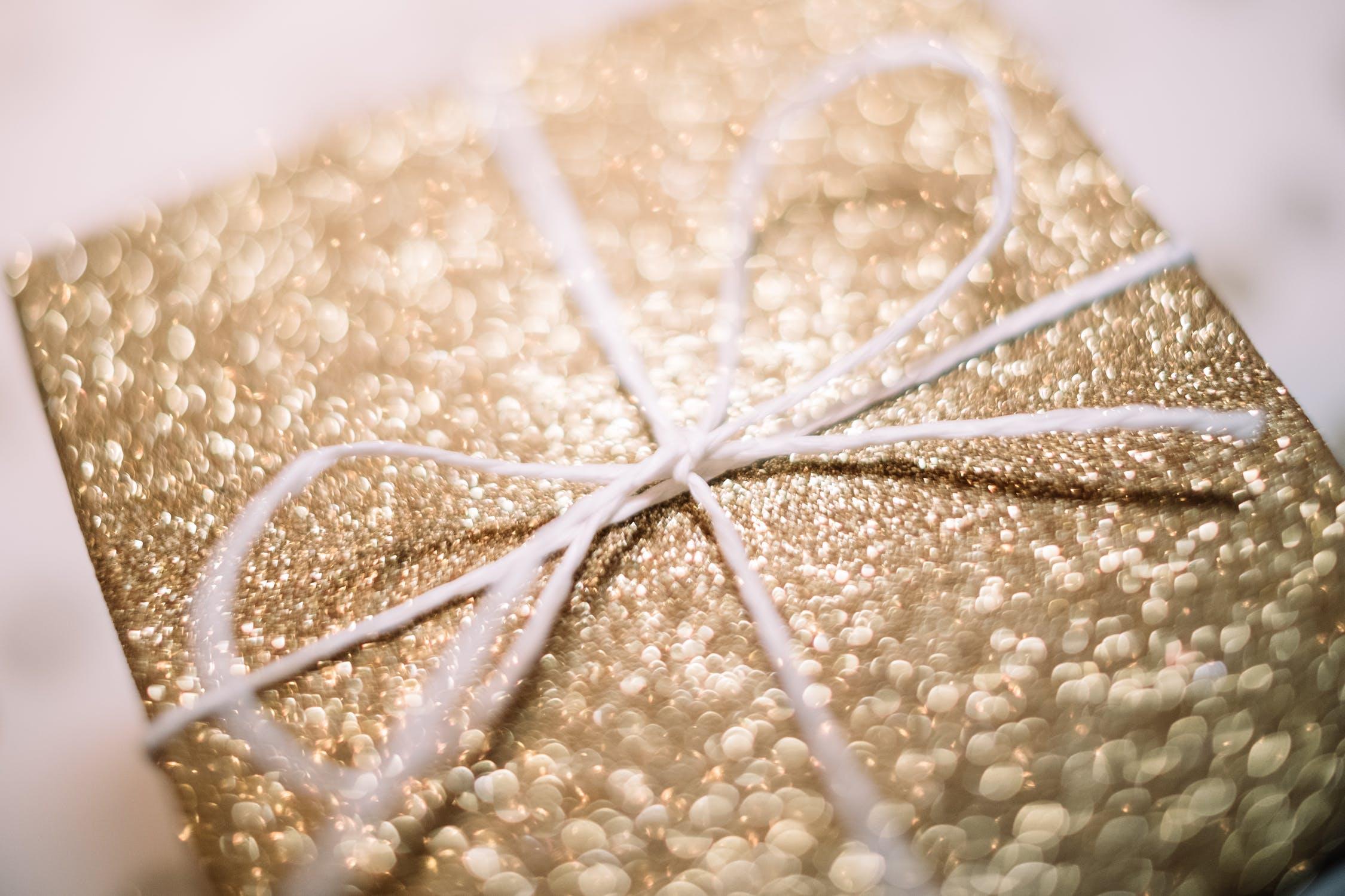 gold holiday gift box
