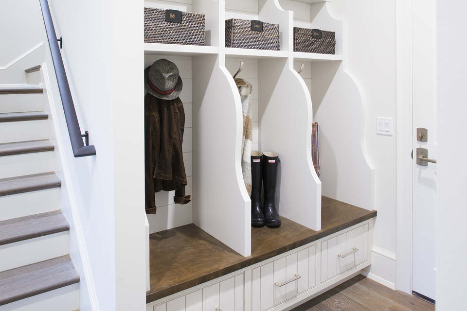 organized entry mudroom