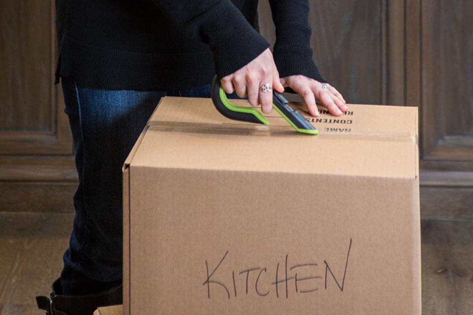 unpacking kitchen box